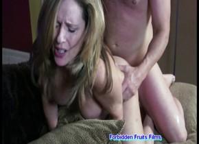 Teen masturbate on cam